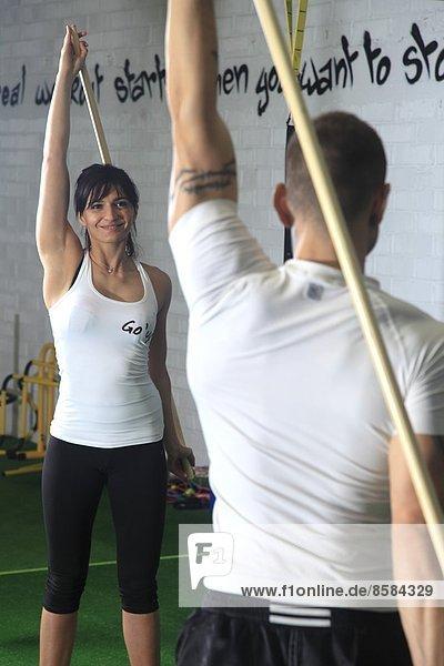 Frankreich  trainiert in einer Crossfit-Gymnastikhalle...