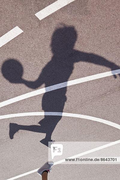 Schatten eines Basketballspielers