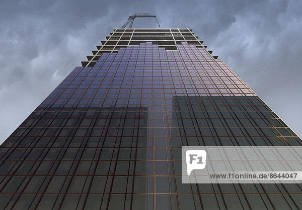 Flachwinkelansicht des Wolkenkratzers