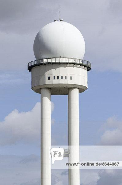 Radarturm der Flugsicherung  Flughafen Tempelhof  Berlin  Deutschland