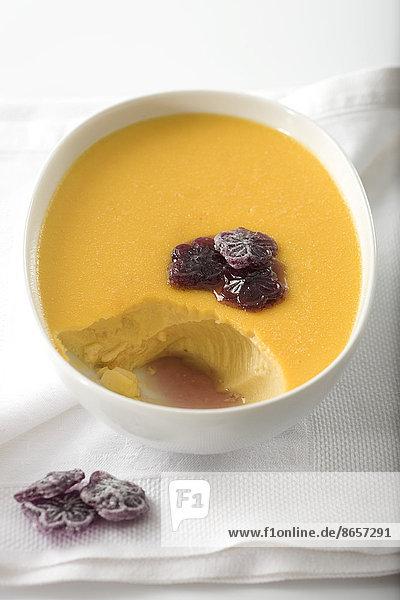 Veilchen  viola  Dessert  Sahne