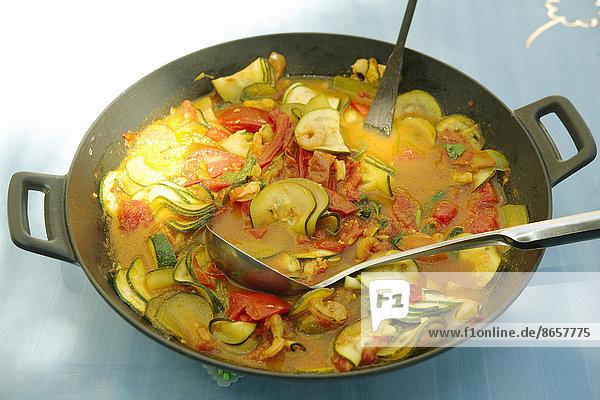 Curry  Currypulver  Zucchini  Currygericht  Curry  Garnele