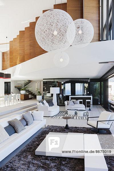 Wohnzimmer im modernen Haus