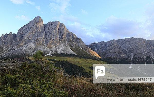 Peitlerkofel im Abendlicht  St. Martin in Thurn  Provinz Bozen  Südtirol  Italien