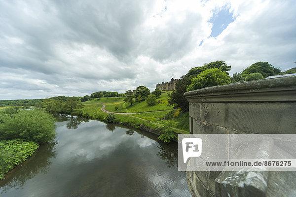 UK  Northumberland  Alnwick  Blick auf Alnwick Castle