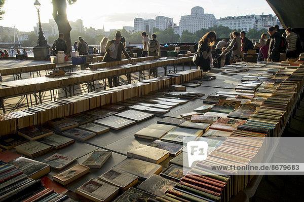 Bücherflohmarkt  South Bank  London  England  Großbritannien  Europa Bücherflohmarkt, South Bank, London, England, Großbritannien, Europa