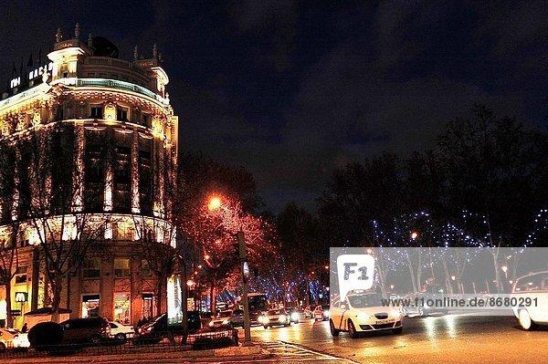 Madrid  Hauptstadt  Schneemann  Weihnachtsdekoration  Spanien