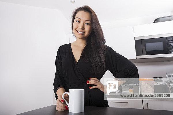 Portrait  Frau  Schönheit  Küche  jung  Kaffee