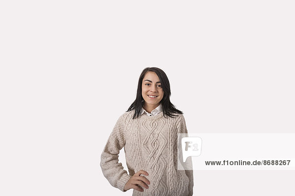 stehend Portrait Geschäftsfrau grau Hintergrund Hoffnung