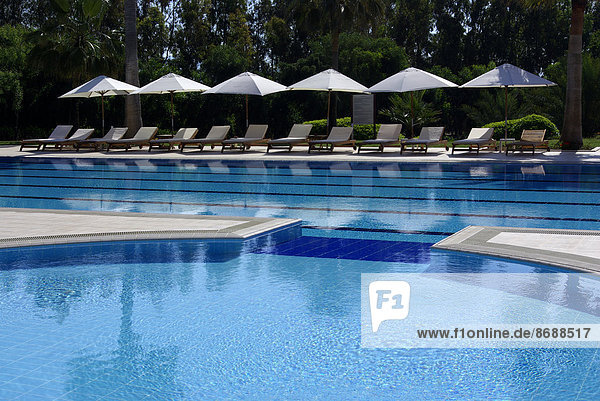 Mittelmeer Hotelpool