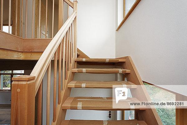 Treppe aus Buche in neu gebautem Einfamilienhaus