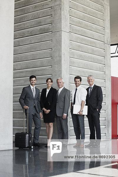 Zuverlässige Gruppe von Geschäftsleuten  Porträt