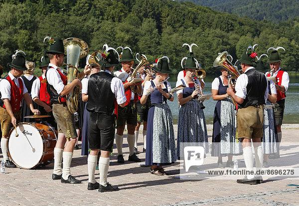 Musikkapelle  Alt-Schlierseer-Kirchtag  Schliersee  Oberbayern  Bayern  Deutschland