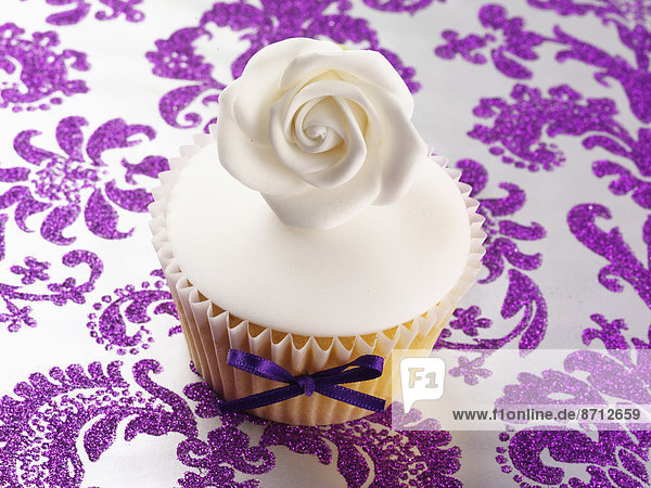Muster Eleganz weiß Eis lila 1 cupcake Rose