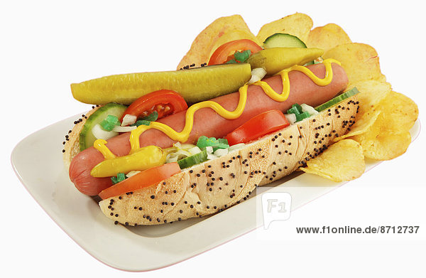Gurkenscheibe  Brötchen  eingelegt  einlegen  Helligkeit  Lifestyle  gelb  grün  weiß  Tomate  Hot Dog  Hot Dogs  Dill  Chicago  Ketchup  Senf  Mohn  Samen