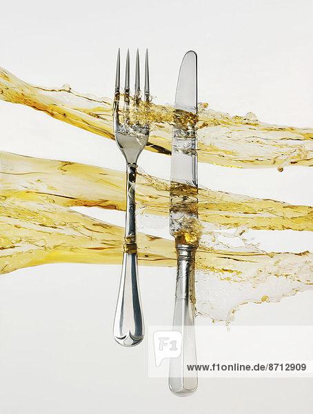 Messer  Wein  verschütten  Gabel