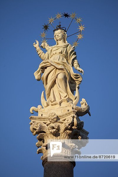 Jungfrau Maria  Madonna  Statue  Italien  Lucca