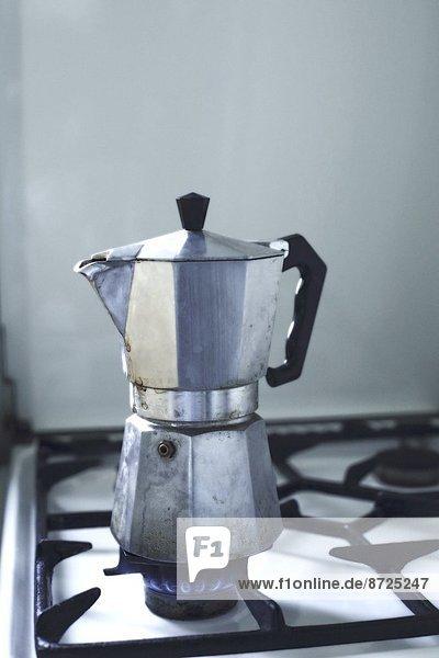 Espressokanne auf einem Gasherd