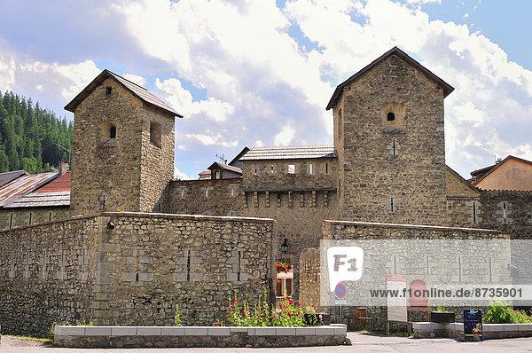 Die von Vaban erbaute Stadtmauer von Colmars  Alpes-de-Haute-Provence  Provence-Alpes-Côte d''Azur  Frankreich