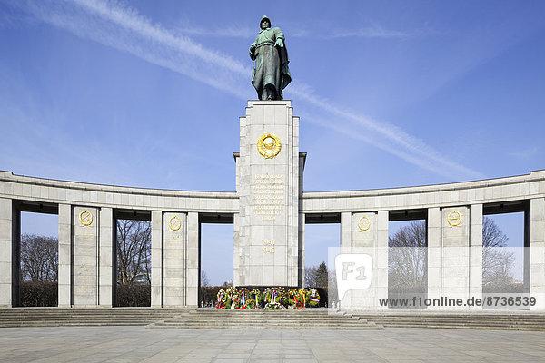 Sowjetisches Ehrenmal  Tiergarten  Berlin  Deutschland