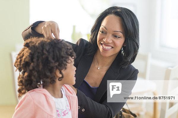 befestigen  amerikanisch  Mutter - Mensch  Haar