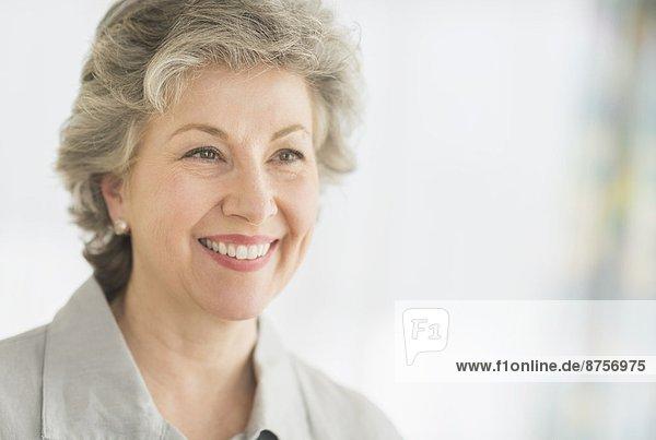 Portrait einer lachenden Frau