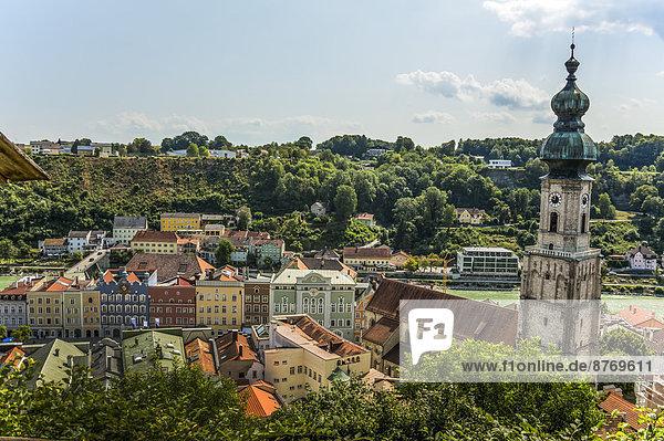 Germany  Bavaria  Burghausen  Cityscape with parish church St.Jakob