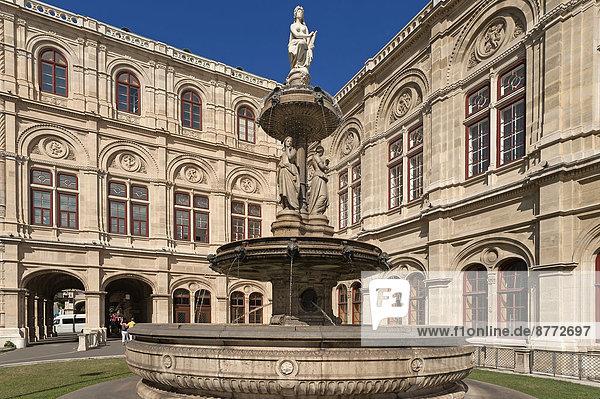 Wien Hauptstadt Springbrunnen Brunnen Fontäne Fontänen Österreich Zierbrunnen Brunnen Oper