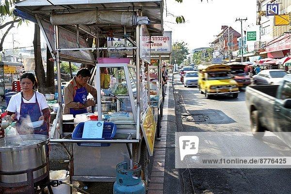 Blumenmarkt Lebensmittel Straße beschäftigt nebeneinander neben Seite an Seite Südostasien Thailand