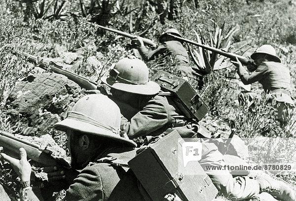 4  angreifen  Soldat  Schlacht  Krieg  Afrika  Angriff  Äthiopien  Italienisch  Militär