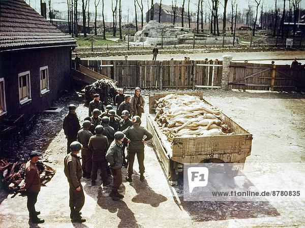 Stapel  Vereinigte Staaten von Amerika  USA  Geschichte  Soldat  Krieg  amerikanisch  April  Deutschland  Militär  Zweiter Weltkrieg  II.