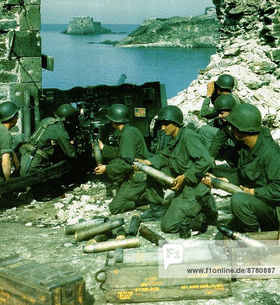 Frankreich  Europa  Teamwork  Konkurrenz  Geschichte  Krieg  eindringen  schießen  02 Position  August  Bretagne  deutsch  Juli  Zweiter Weltkrieg  II.