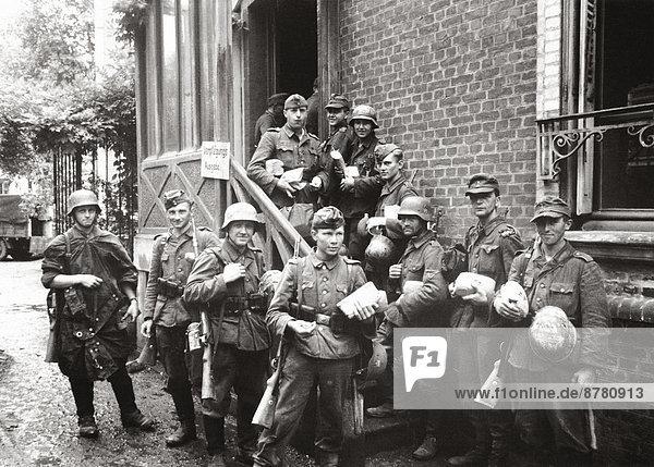 Frankreich  Europa  Geschichte  Soldat  Krieg  eindringen  Entspannung  deutsch  Juli  Militär  Normandie  Zweiter Weltkrieg  II.