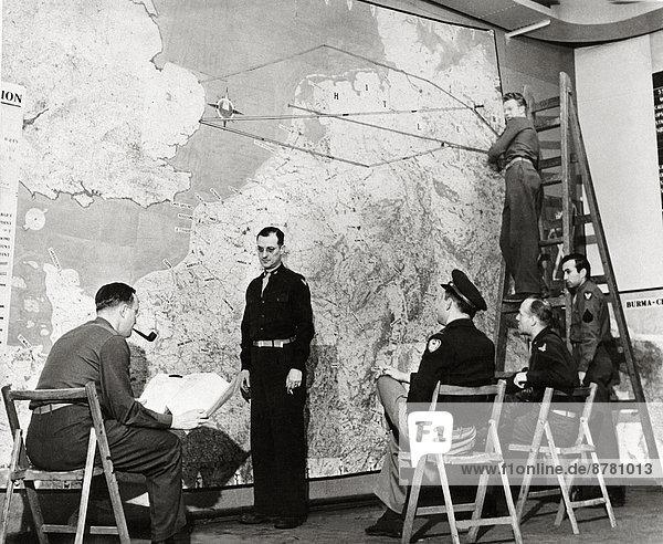 Westeuropa  Mann  Großbritannien  Teamwork  Geschichte  Krieg  eindringen  6  Ärmelkanal  Deutschland  Planung  Zweiter Weltkrieg  II.