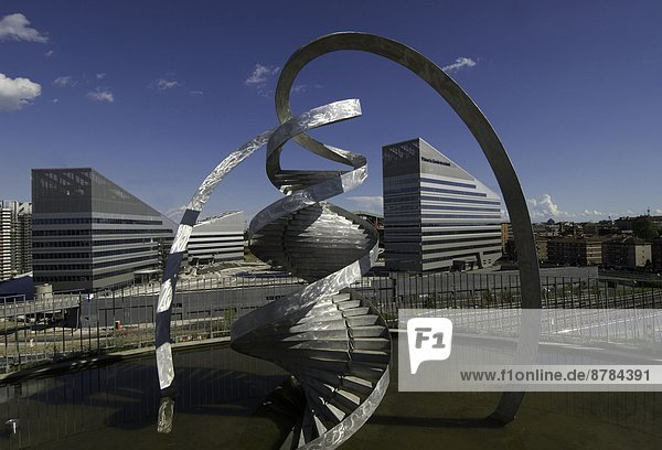 Europa  Italien  Lombardei  Mailand  Parco Vittoria  Portello-Gebiet  DNA-Denkmäler von Charles Jencks entworfen