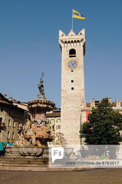 Trentino Südtirol Glocke Italien Neptunbrunnen Trentino-Südtirol