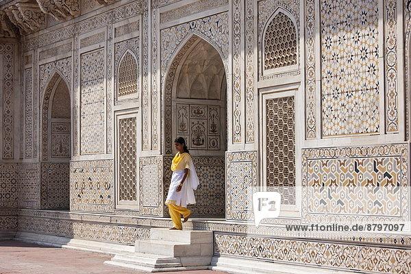bauen  Islam  Mädchen  Agra  Jahrhundert  Indien  Grabmal