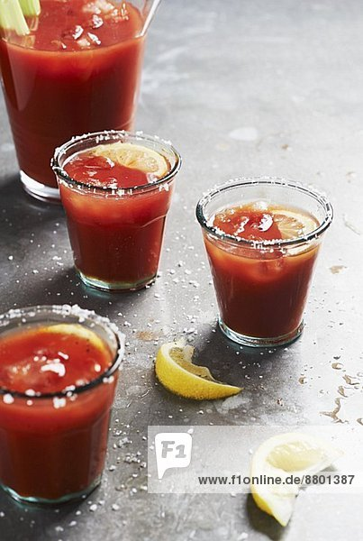 Bloody Mary (Cocktail aus Tomatensaft und Wodka)