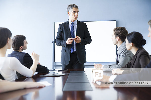 Präsentation der Führungskraft bei der Geschäftsbesprechung