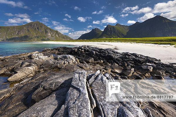 Strand bei Flakstad  Flakstadøy  Lofoten  Nordland  Norwegen