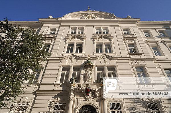 Wien Hauptstadt sternförmig überqueren Gebäude rot Ritter Kreuz Ordnung