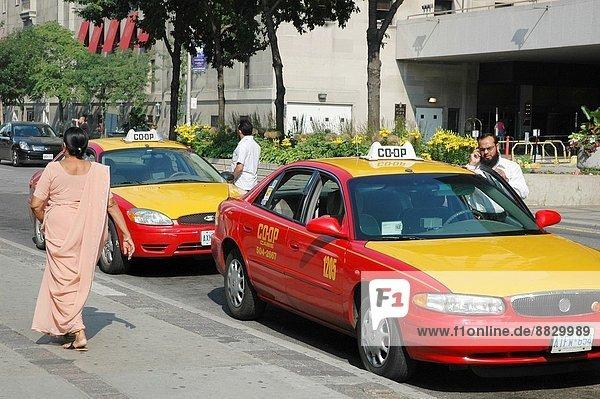 Frau  Taxi  Sari  Toronto