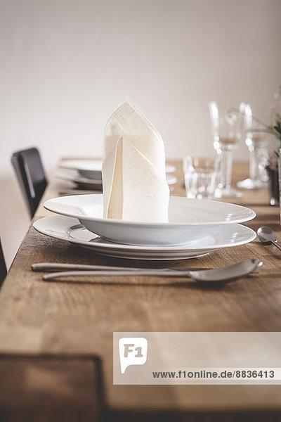 Deutschland  Vaihingen  Gedeckter Tisch