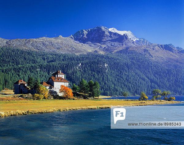 Schloss Crap da Sass mit Piz Corvatsch  Oberengadin  Schweiz