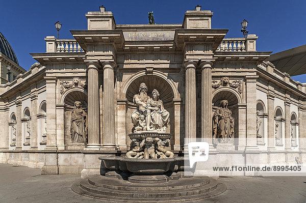 Albrechtsbrunnen  1869  mit den Figuren des Danubius und der Vindobona  Albertina-Bastei  Wien  Land Wien  Österreich