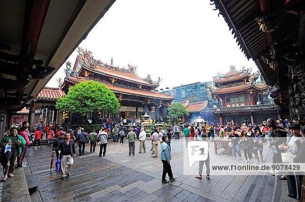 Mengjia Longshan Buddhist and Taoist Temple. Taiwan (China)  Taipei  Wanhua district.