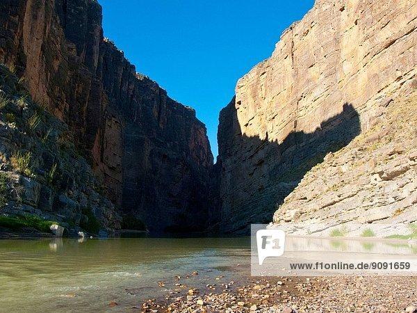 Big Bend National Park  Tourists on Santa Elena Canyon Trail  Rio Grande River