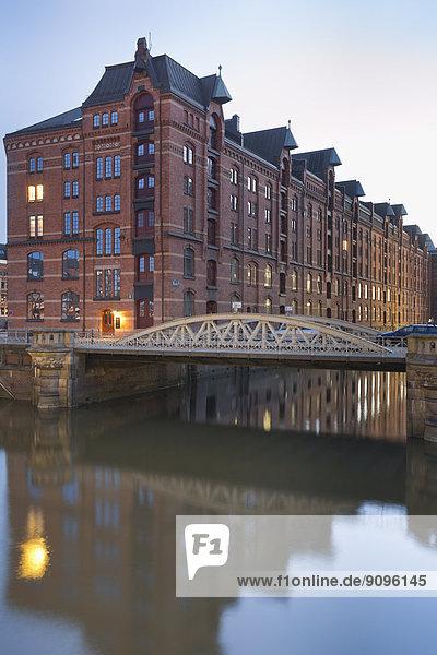 Deutschland  Hamburg  Kleines Flotte und Kannengiesserortbrücke in Speicherstadt