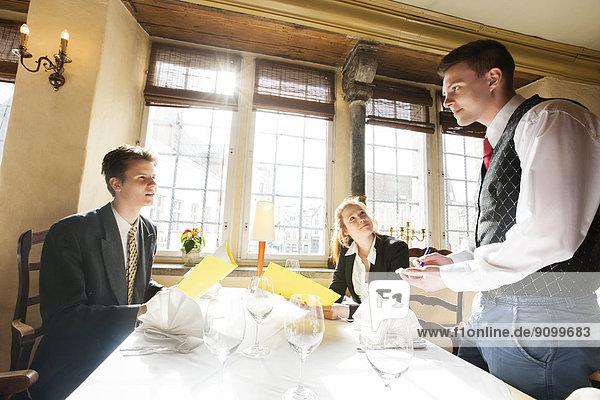 Lebensmittel  Restaurant  bestellen  Tisch  Business