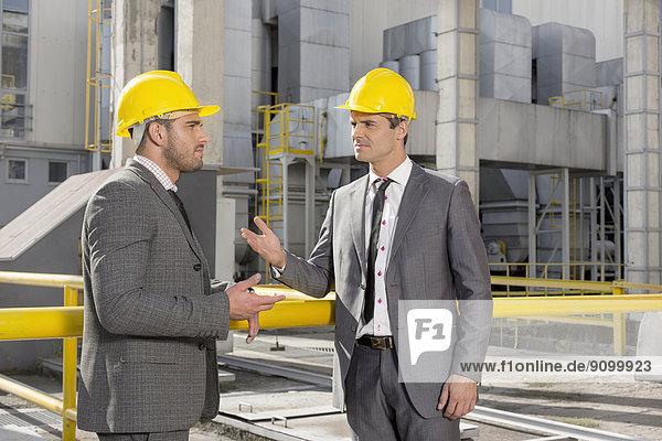 bauen  Diskussion  Ingenieur  jung